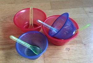 Wegwerf-Eisbecher aus Plastik.